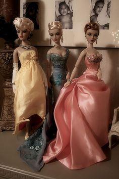 Love the peach dress.
