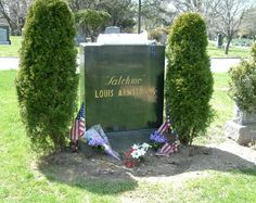 Louis Armstrong~FLUSHING CEMETERY, QUEENS, NEW YORK.