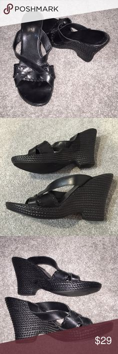 ❤️CLEARANCE ALDO black wedges size 40. ALDO black wedges size 40. I believe these are more of a 9 or a 9 1/2  good condition. I usually wear a 9 1/2 and they fit me. ALDO Shoes Wedges