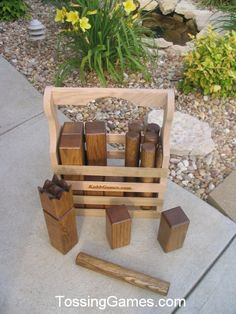 want one of these to take and play on the beach this summer Make a wooden carry box. Outdoor Projects, Fun Projects, Wood Projects, Woodworking Projects, Backyard Games, Kubb Game, Outside Games, Wood Games, Toys