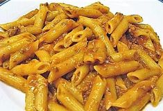 PENNE AL RAGU' CREMOSO No Salt Recipes, Pasta Recipes, Stuffed Hot Peppers, Gnocchi, Easy Dinner Recipes, Pasta Salad, Italian Recipes, Macaroni And Cheese, Food And Drink