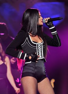 Selena Gomez canta suas músicas novas em evento Jingle Ball: veja todas as…