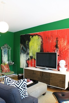 Love the idea of a painting behind the TV. Too bad my tv wall has all the a/c controls on it!