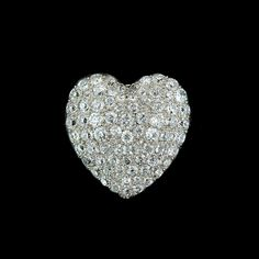 Diamond heart Diamond Heart, Heart Ring, Daisy Petals, Hearts And Roses, Ring Verlobung, Girls Best Friend, Love Heart, Heart Shapes, Valentines Day