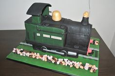 Steam Train Cake by Magical Peaches, via Flickr