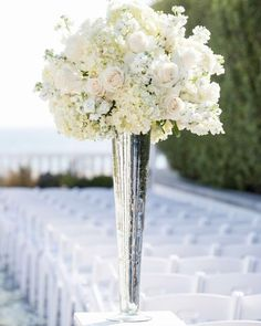 """61 Likes, 2 Comments - Diva Location - Rentals Mtl (@divalocation) on Instagram: """"A mix of rose and beige makes a stunning centerpiece for a ceremony vase."""""""