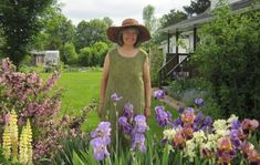 Celia has enjoyed a number of complimentary and overlapping careers, including work as a biologist, a teacher of studio arts and an author a. Biologist, S Pic, Natural History, Art Studios, Illustrators, Environment, Author, Teacher, Number