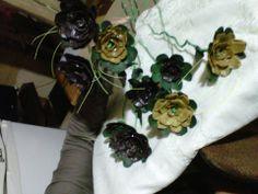 flores con carton de maple de huevo