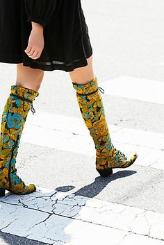 ⚜️⚜️⚜️                Floral Joe Lace Up Boot