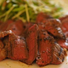 赤身肉のローストビーフは最高のです。醤油麹に2日間漬けて、一晩干してから焼きました。柔らかく旨味も凝縮されています。 - 10件のもぐもぐ - ローストビーフ by egacy