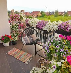 Small Balcony Decor, Small Balcony Garden, Balcony Plants, House Plants Decor, Balcony Design, Terrace Garden, Apartment Balcony Garden, Apartment Balcony Decorating, Built In Garden Seating