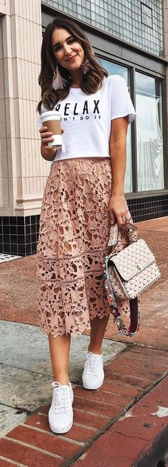 40 Spring Outfits That Are Amazing - #springoutfits #springstyle #springfashion #summeroutfits #summerstyle #summerfashion #outfits #outfitoftheday #outfitideas #womensfashion
