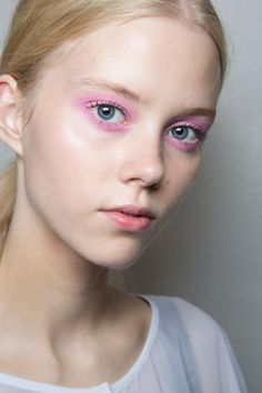 All of the Best Eye Makeup Looks From the Spring 2016 Runway Shows - pink eyeshadow