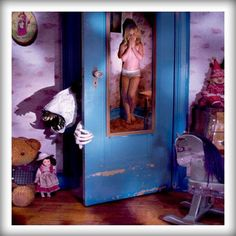 Joshua Hoffine focuses on the childhood nightmares and his horror photography is meticulously detailed and absolutely amazing. Scary Movies, Horror Movies, Joshua Hoffine, Childhood Fears, Horror Photography, Extreme Photography, Video Photography, Children Photography, Photography Ideas