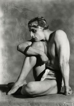 Mikhail Mordkin, 1925 - Nickolas Muray (Russian: December 9, 1880, Moscow, Russian Empire - July 15, 1944, New York,graduated from the Bolshoi Ballet School in 1899, and in the same year was appointed ballet master.