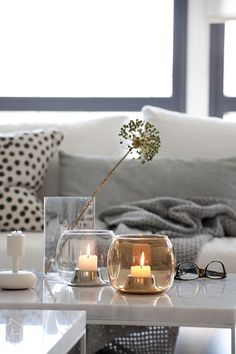 Iittala Interior uutuudet sisustavat kodin Tea Light Candles, Tea Lights, Interior Color Schemes, Interior Design, Nordic Home, Scandinavian Living, Tealight Candle Holders, Decorating Blogs, Colorful Interiors