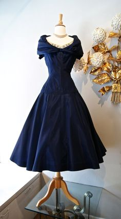 50s Dress / Vintage 1950's New Look Navy Blue Party Dress By Highlight Waist 28