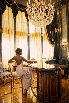 Gabrielle Union as Nina Norwood. This room is in the Vandervol house/mansion