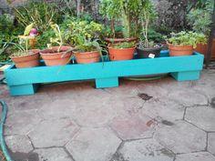 Jardinera Outdoor Furniture, Outdoor Decor, Planter Pots, Home Decor, Window Boxes, Furniture, Blue Prints, Decoration Home, Room Decor