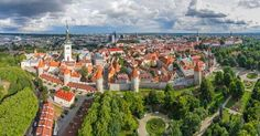 Known as the Old Town of Tallinn, the capital of Estonia is much more than just a charming city with a medieval heritage. Estonia is… Estonia Travel, Victoria Falls, Travel News, Travel Tourism, Travel Guide, City Break, Vancouver Island, World Heritage Sites, Cool Places To Visit
