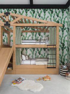 Are you in the mood for another AMAZING bunk room? Kids Bedroom, Bedroom Decor, Kids Rooms, Bedroom Ideas, Nursery Decor, Coachella, Casas California, Bunker Bed, Patio Grande