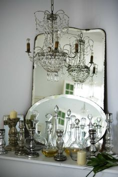 old mirrors and chandelier I Love Mirrors, Old Mirrors, Vintage Mirrors, Beautiful Mirrors, Mirror Mirror, Mirror Glass, Vintage Glam, Deco Luminaire, Vibeke Design