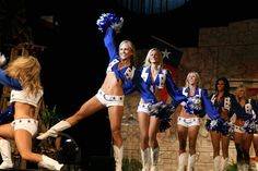 File:Dallas Cowboy Cheerleaders 2.jpg