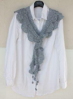러플러플 머플러 : 네이버 블로그this scarf is the chart for the peach rose on this board Crochet Collar, Crochet Tunic, Knitted Shawls, Crochet Scarves, Crochet Clothes, Crochet Motifs, Crochet Doilies, Lace Knitting Patterns, Crochet Accessories