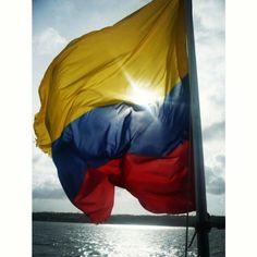 Que viva Colombia y su hermosa bandera, que la luz la ilumine siempre como en esta foto que tome en la hermosa isla de San Andres hace algunos añitos Bella, Puerto Rico, Outdoor Gear, Tent, Management, Travel, Instagram, Colombia, St Andrews