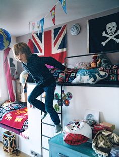 1000 images about teenage room tomboy on pinterest for Room design 14x10