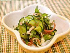 キュウリと香味野菜の和え物