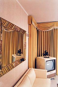 graceland william eggleston interior