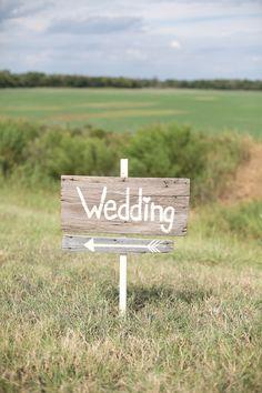 #wood #wedding #sign @weddingchicks