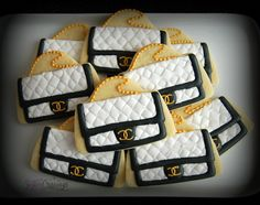 Chanel purse cookies by Sugar Cravings Chanel Cake, Chanel Purse, Fun Cookies, Sugar Cookies, Decorated Cookies, Sugar Cravings, Royal Icing Cookies, Cookie Designs, 40th Birthday