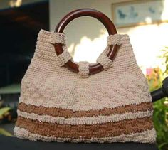 Wooden Round Handler Knit-hand Bag by Carisma e-Storfa #carisma #storfa #e-storfa #knithand #tasrajut