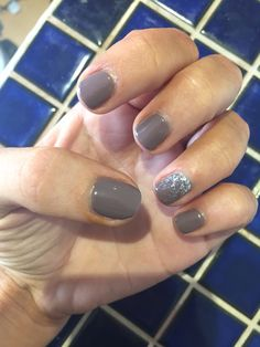 Jessica GELeration Intrigue with silver glitter