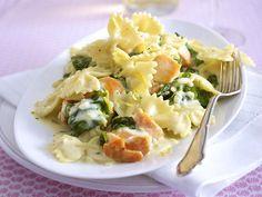 Lachs-Spinat-Farfalle mit Zitronen-Creme-fraiche