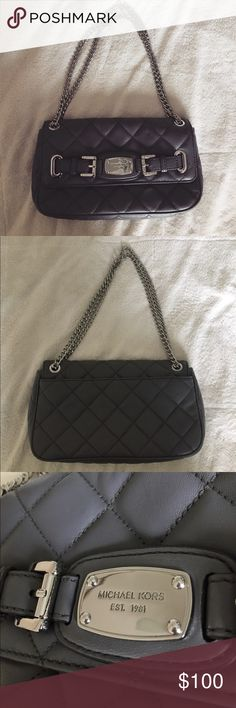 Grey Michael Kors purse Quilted grey Michael Kors purse with silver hardware. Perfect condition, only used once. Authentic. Please contact me with any questions! ❣️ Michael Kors Bags