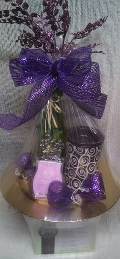 NOW THATS A GOOD IDEA!  I would have never thought to arrange my raffle baskets like this! andreapurcell.scentsy.us