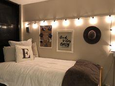 #collegedorm #artsy #bedding #E # lights #dormroomgoals #decoratingideas #mydorm