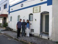 Sérgio Napchan, Mario Soltak e Lea Cahen em visita à Sinagoga Braz Palatnik