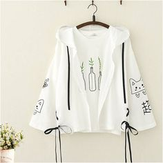 students wear cute Kitty print suntan shirts for spring and summer Cute Comfy Outfits, Stylish Outfits, Cool Outfits, Girls Fashion Clothes, Teen Fashion Outfits, Set Fashion, Fashion Styles, Mode Lolita, Crop Top Outfits