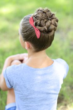 Pin de kallie 😋 en cute hair styles braided hairstyles updo, girls school h Braided Hairstyles Updo, 5 Minute Hairstyles, Dance Hairstyles, Cute Girls Hairstyles, Pretty Hairstyles, Simple Hairstyles, Kids Hairstyle, Natural Hairstyles, Homecoming Hairstyles