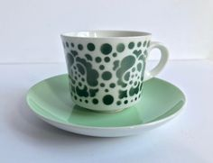 ARABIA Finland  'POP / Stencil' green & white cups and saucers /  RARE highly collectible / Scandinavian mid century Modern, Goran Back