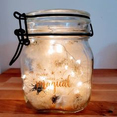 """Gefällt 1 Mal, 0 Kommentare - Madeleine (@madvonherzen) auf Instagram: """"Wünsche auf Reserve! Das wäre doch echt super, oder?? 🏵️ Leider kann ich damit nicht dienen, aber…"""" Decorating Bookshelves, Mason Jar Lamp, Table Lamp, Paper, Creative, How To Make, Home Decor, Instagram, Dandelion"""