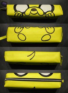 SOLD OUT // Hand painted pencil case of Jake from Adventure Time / AGOTADO // Estuche pintado a mano de Jake de Hora de Aventuras 8'00 €