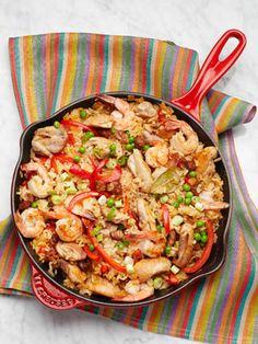 My FAVORITE paella recipe! What's even better is it's my cousin Katie's recipe and can be easily made Gluten Free (just verify the Chicken Broth is Gluten free) // paella GF Seafood Dishes, Seafood Recipes, Chicken Recipes, Cooking Recipes, Healthy Recipes, Seafood Paella, Delicious Recipes, Healthy Food, I Love Food