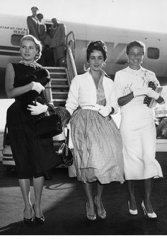 Love love love these fashionable ladies! I would wear each of these outfits today. Grace Kelly, Elizabeth Taylor, Lorraine Day, 1955