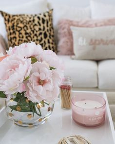 Spring Living Room Update 2017 - The Fancy Things- Spring Living Room Update 2017 – The Fancy Things - Living Room Update, Living Room Decor, Bedroom Decor, Coffee Table Styling, Decorating Coffee Tables, Living Room Inspiration, Home Decor Inspiration, Spring Home, Decoration Table