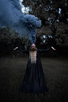 Gothic Photography, Horror Photography, Halloween Photography, Smoke Photography, Creative Photography, Photography Poses, Witch Pictures, Witch Photos, Halloween Pictures